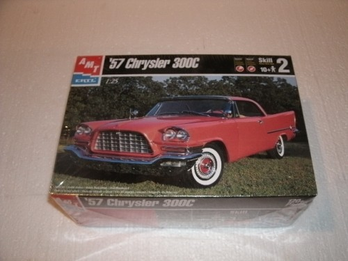 Ertl Amt 1957 Chrysler 300C Model Kit